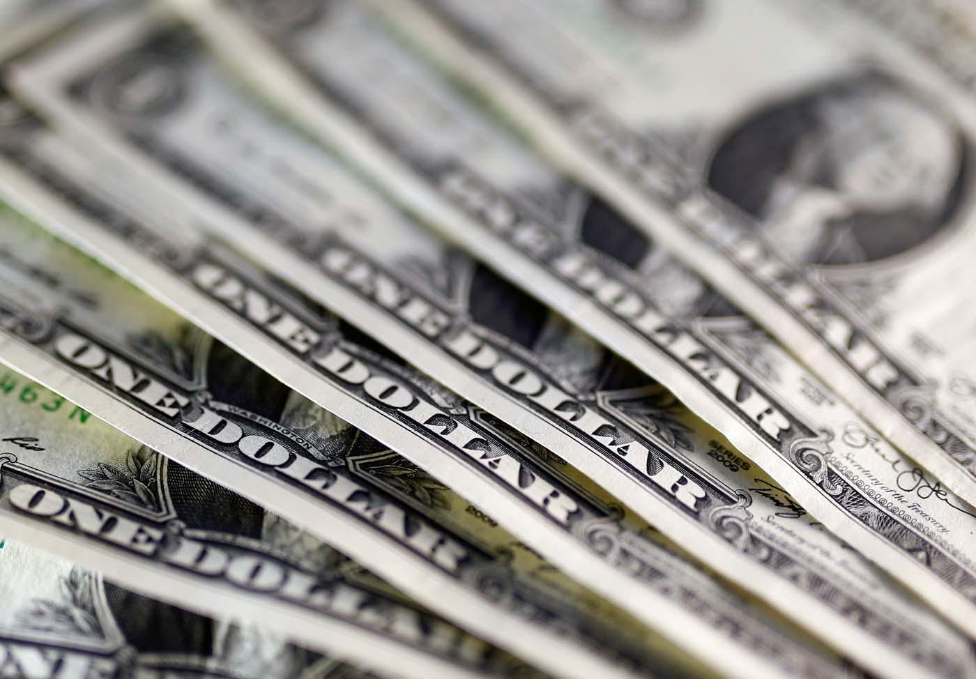 dolares dolar