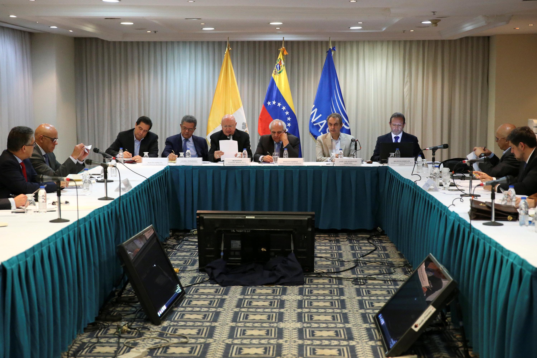 Oposición venezolana da por concluida tregua a Maduro