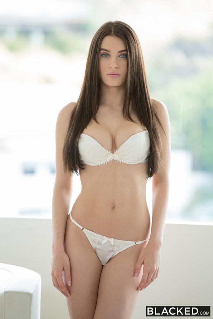 Lana Rhoades (16)