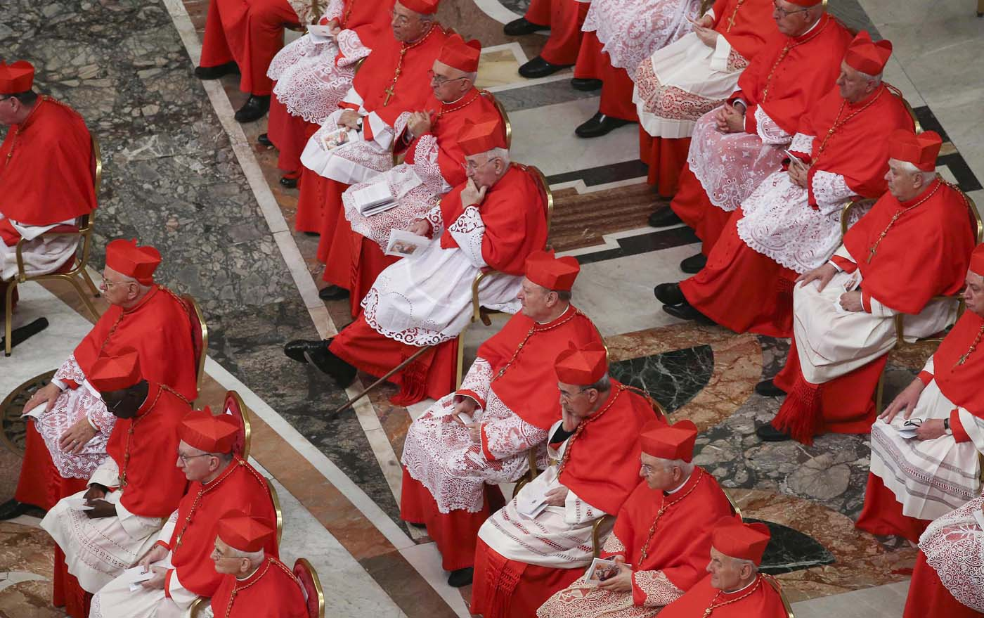 ALT109. Vatican City (Vatican City State (holy See)), 19/11/2016.- Cardinals during the Consistory ceremony at the St. Peter's Basilica in Vatican, 19 November 2016. Pope Francis has named 17 new cardinals, 13 of them under age 80 and thus eligible to vote in a conclave to elect his successor. (Papa) EFE/EPA/STEFANO RELLANDINI/POOL