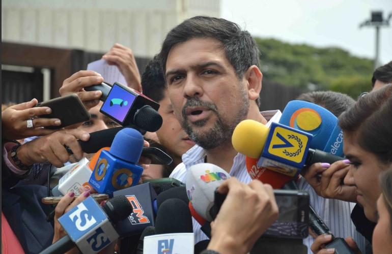 Ocariz entregó amparo contra sentencia del TSJ que prohíbe protestas