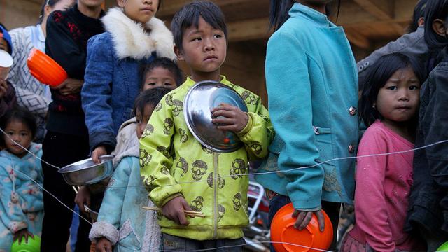 Birmania. La crisis política que atraviesa el país y los conflictos armados entre musulmanes y budistas en el estado de Rakáin, han convertido a los niños en las mayores víctimas.
