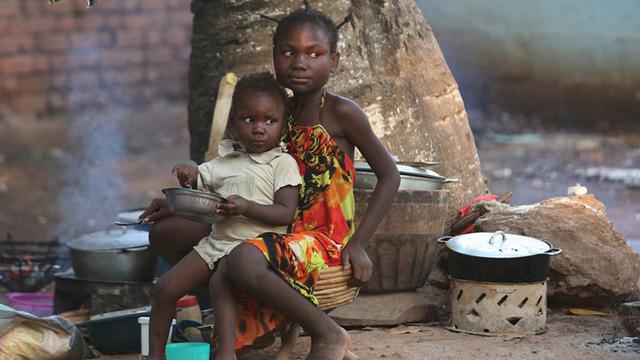 República Centroafricana. Miles de niños han sido víctimas de la explotación infantil y la violencia en medio del conflicto. Se calcula que más de 39.000 menores sufrirán de desnutrición aguda grave.