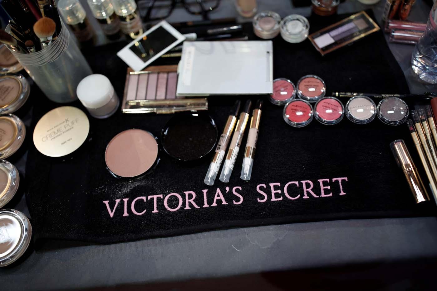 Resultado de imagen de victoria secret Grand Palais de París backstage