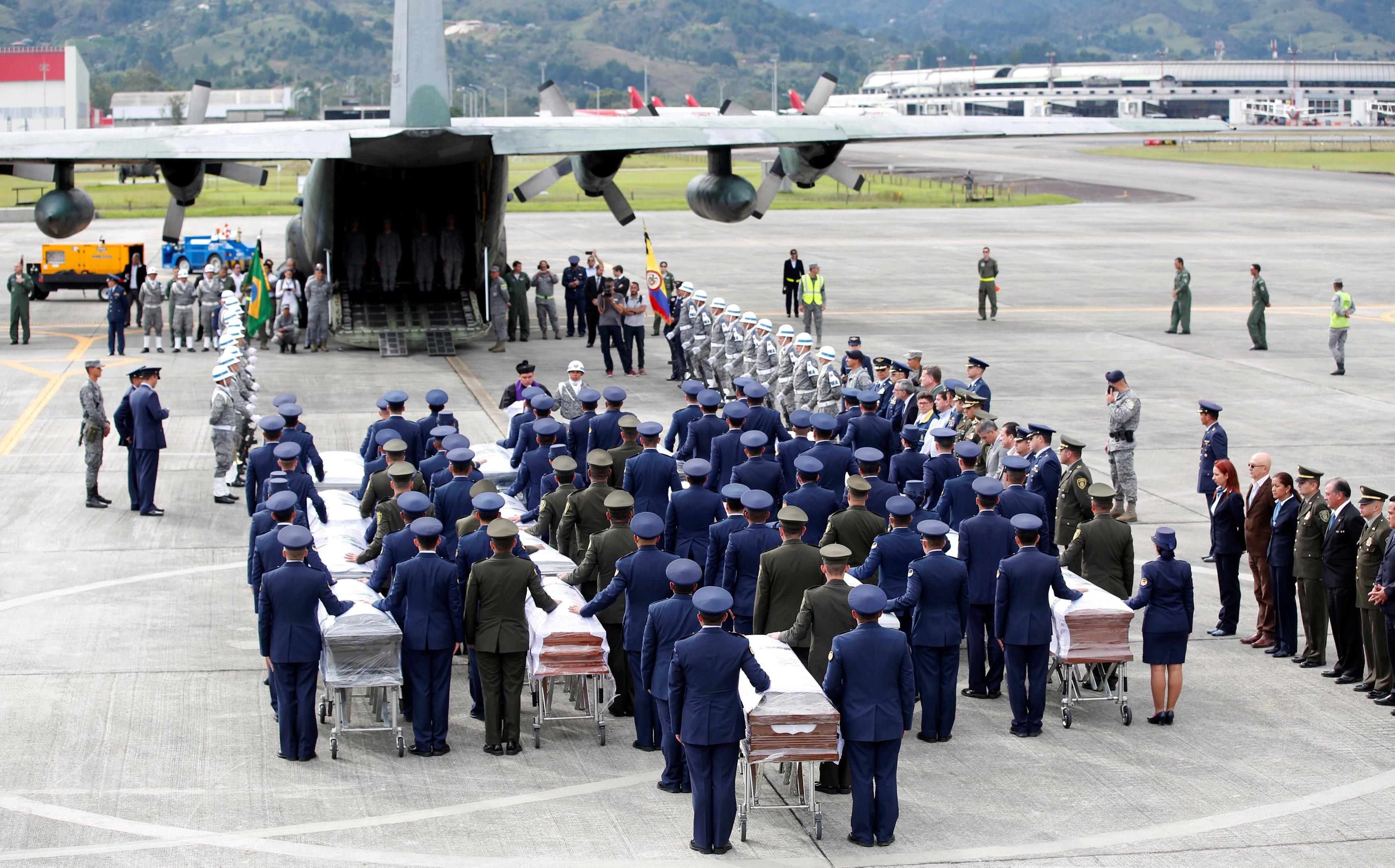 Los restos de los jugadores del Chapecoense fueron repatriados a Brasil