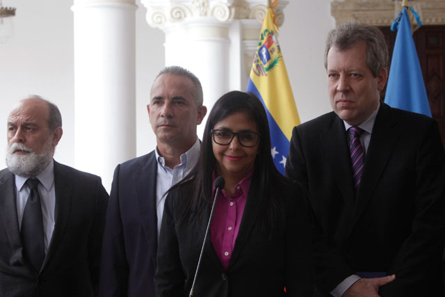Venezuela busca mejorar abastecimiento de medicamentos