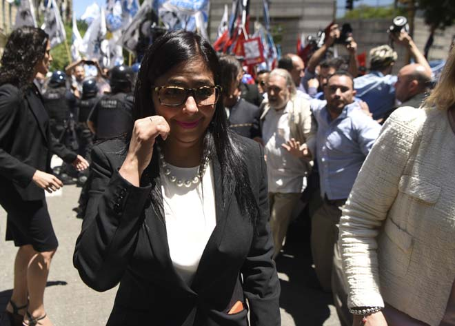 Venezuela's Foreign Minister Delcy Rodriguez, arrives to the Argentine Foreign Ministry in Buenos Aires during a meeting among Mercosur's ministers where Venezuela was not invited, on December 14, 2016. Mercosur's foreign ministers debate on Venezuela's suspension from the group after accusations that the leftist government in Caracas failed to meet democratic and trade standards. / AFP PHOTO / EITAN ABRAMOVICH