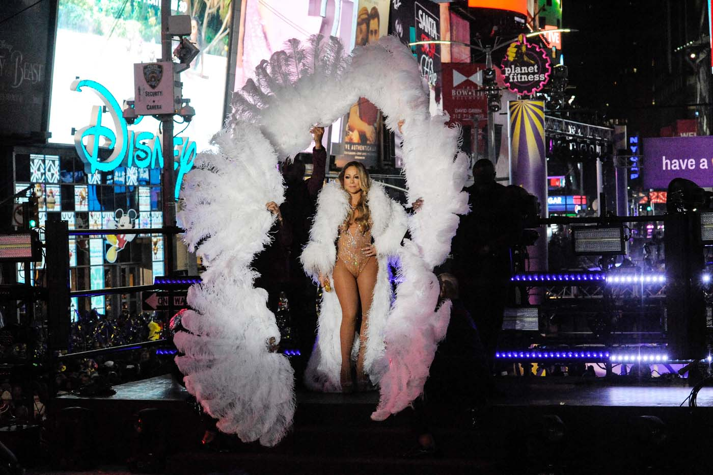 Mariah Carey performs during a concert in Times Square on New Year's Eve in New York, U.S. December 31, 2016. REUTERS/Stephanie Keith