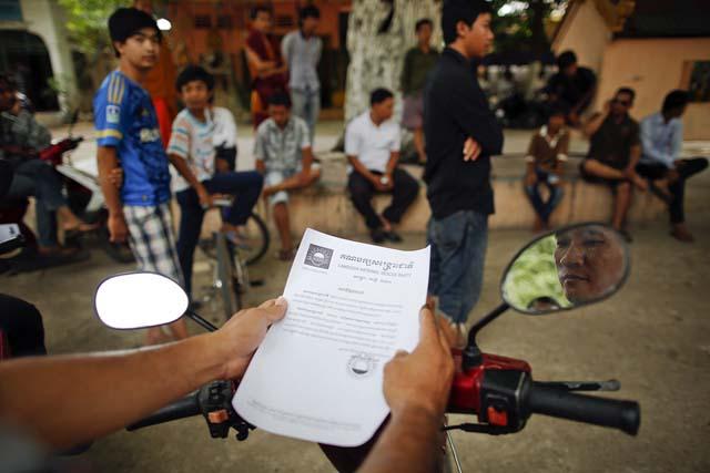 Muchas personas en Camboya no saben leer, por eso las instrucciones escritas en un trozo de papel no le dirán nada a un vendedor en el mercado, ni a un taxista si son analfabetos.