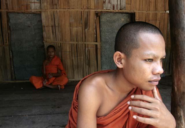 """Los residentes del Reino de Camboya, que es el nombre oficial del país, nunca dicen 'No' directamente. """"Existe un 'Sí' que significa afirmación y existe un 'Sí' pronunciado con vacilación que es un modo cortés de decir 'No'. """"El silencio significa una respuesta negativa"""", indica Hill."""
