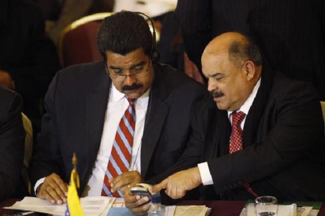 Referencial- Nicolás Maduro junto a Nelson Merentes, presidente del BCV / archivo