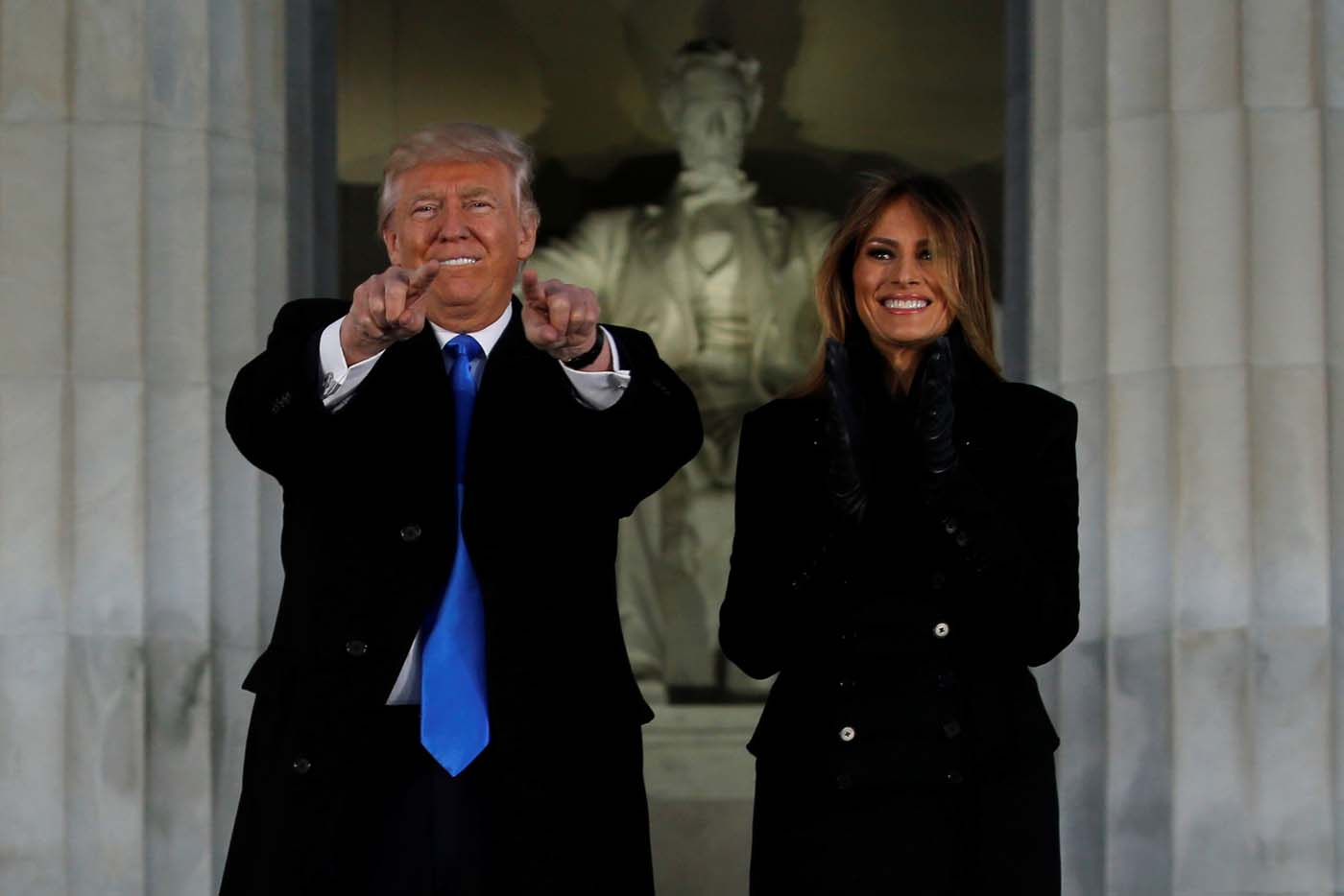 """Trump participa en un concierto de bienvenida de """"Make America Great Again"""" en Washington, Estados Unidos. Donald Trump será investido el viernes como el cuadragésimo quinto presidente de Estados Unidos y asumirá la conducción de un país dividido luego una dura campaña electoral, adentrándolo en una senda nueva e incierta tanto a nivel local como internacional.REUTERS/Jonathan Ernst"""