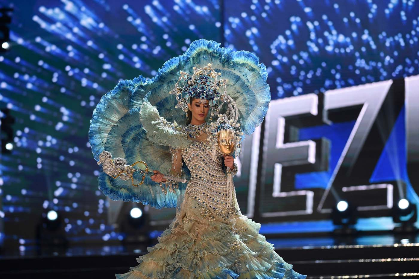This photo taken on January 26, 2017 shows Miss Universe contestant Mariam Habach of Venezuela presents during the national costume and preliminary competition of the Miss Universe pageant at the Mall of Asia arena in Manila. / AFP PHOTO / TED ALJIBE