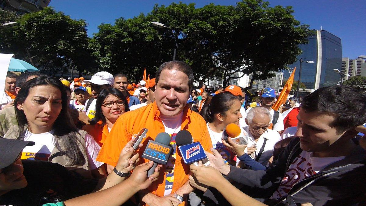 Luis Florido solicitó al CNE aumentar el número de máquinas para el proceso de validación