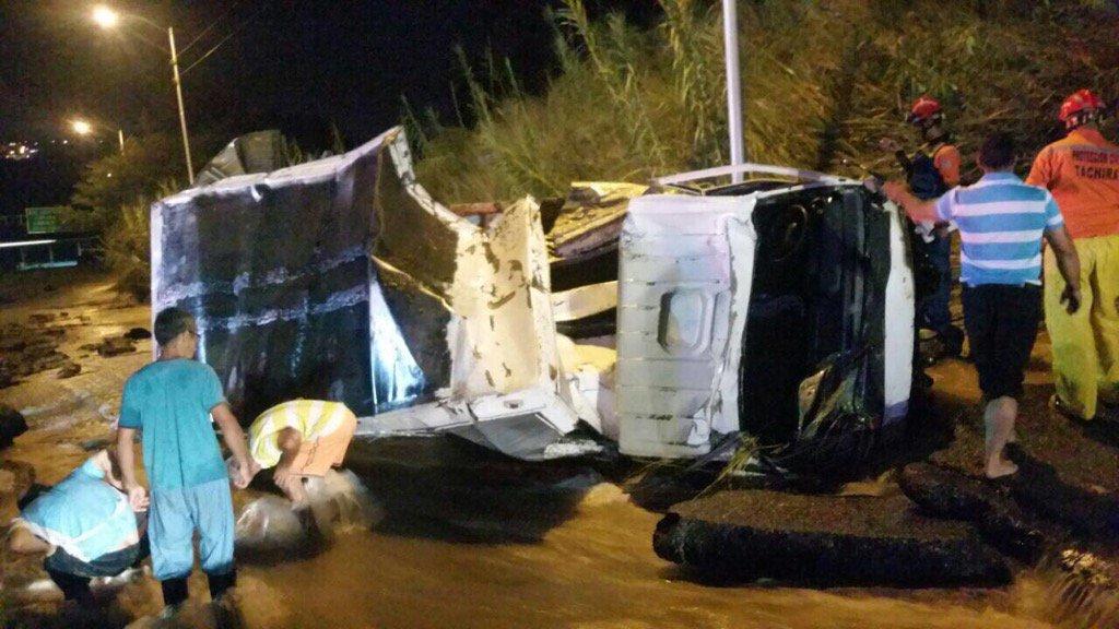 Un muerto y dos heridos tras colapso de tubería matriz en Táchira
