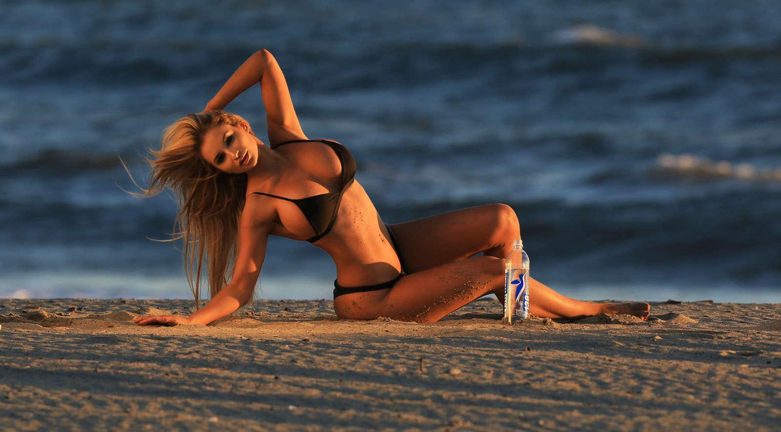 Amy-Lee-Summers--138-Water-Bikini--05
