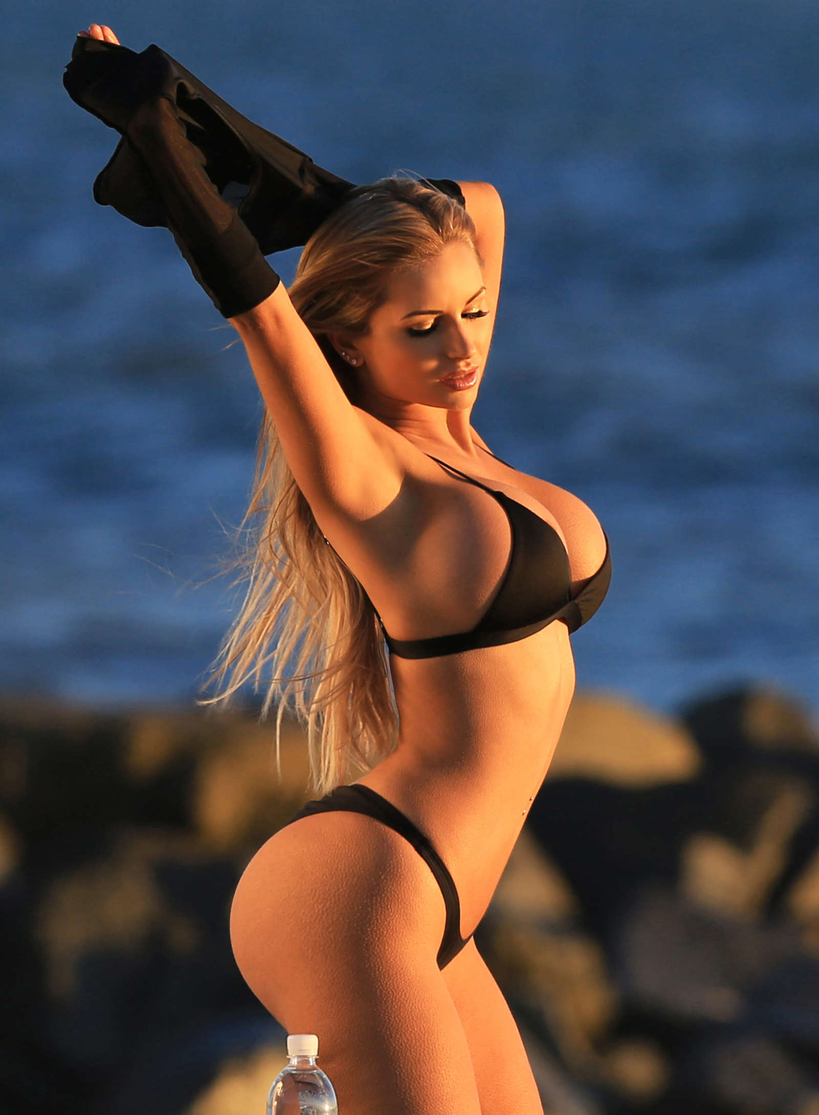 Amy-Lee-Summers--138-Water-Bikini--09