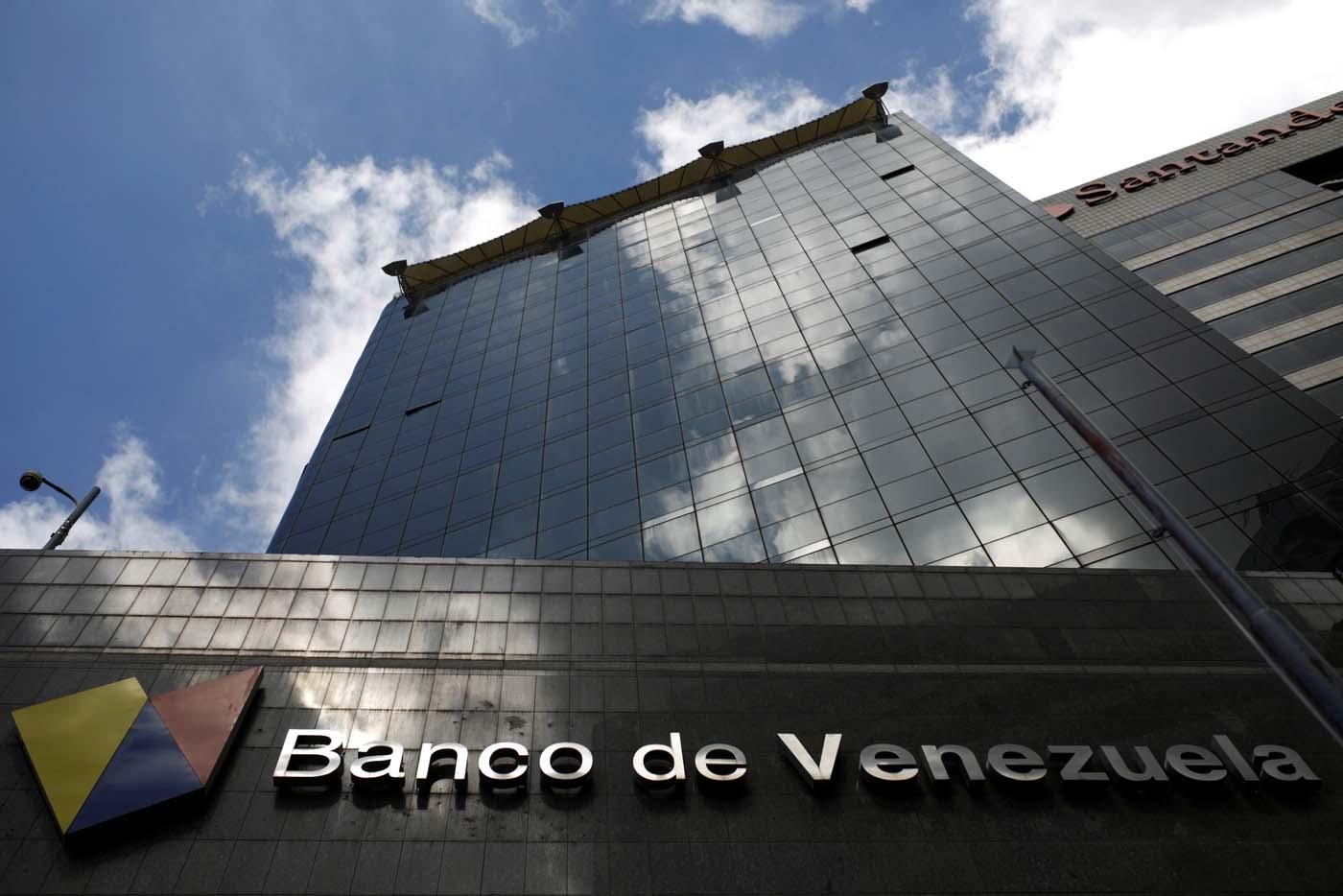 The logo of Banco de Venezuela is seen in a building in Caracas, Venezuela March 14, 2017. Picture taken March 14, 2017. REUTERS/Marco Bello To match Exclusive VENEZUELA-BANKS/