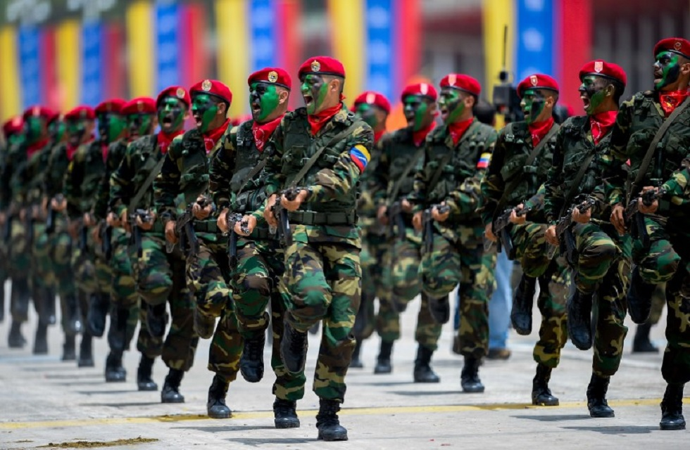 La mayor preocupación del gobierno venezolano no es lo que la oposición podría hacer a continuación, sino lo que sus propias fuerzas armadas son capaces de hacer. (FEDERICO PARRA / AFP