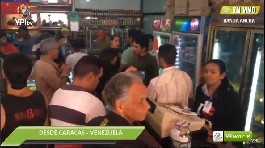 Vecinos protestaron contra expropiación de panadería — Venezuela