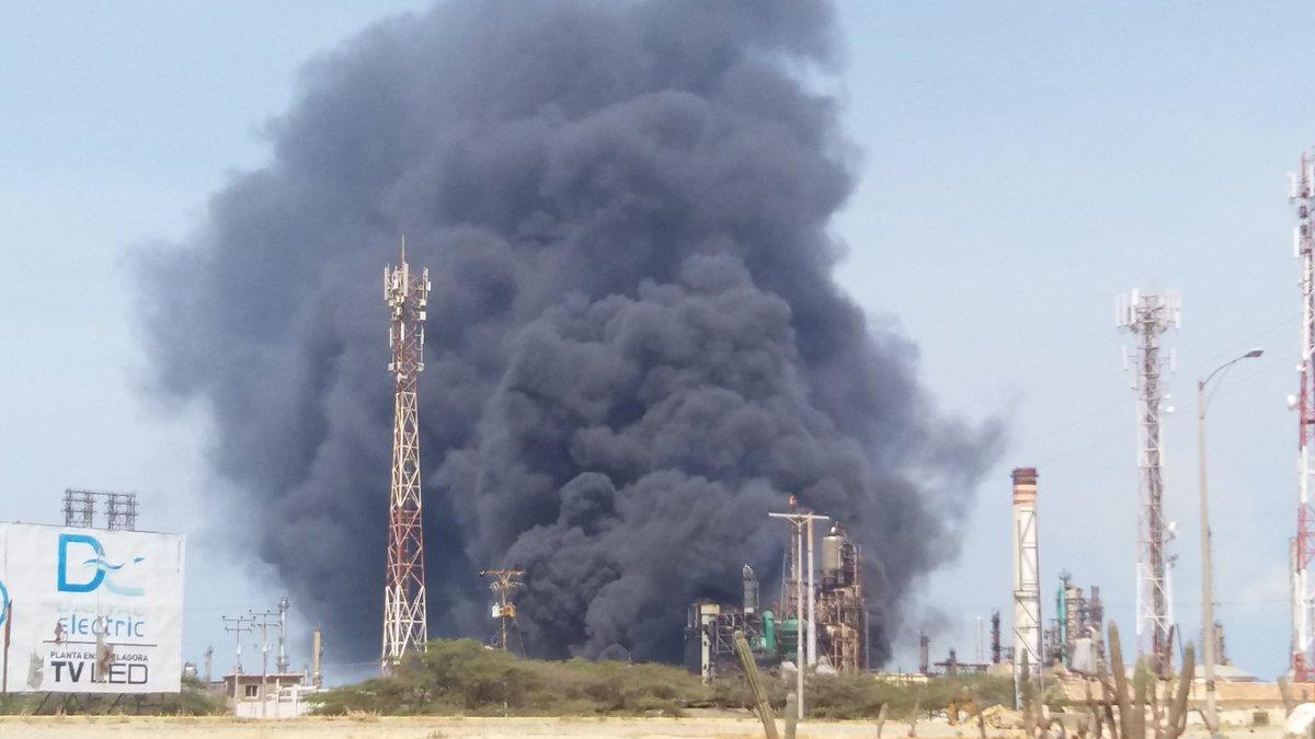 Controlaron incendio en la refinería Amuay en Falcón