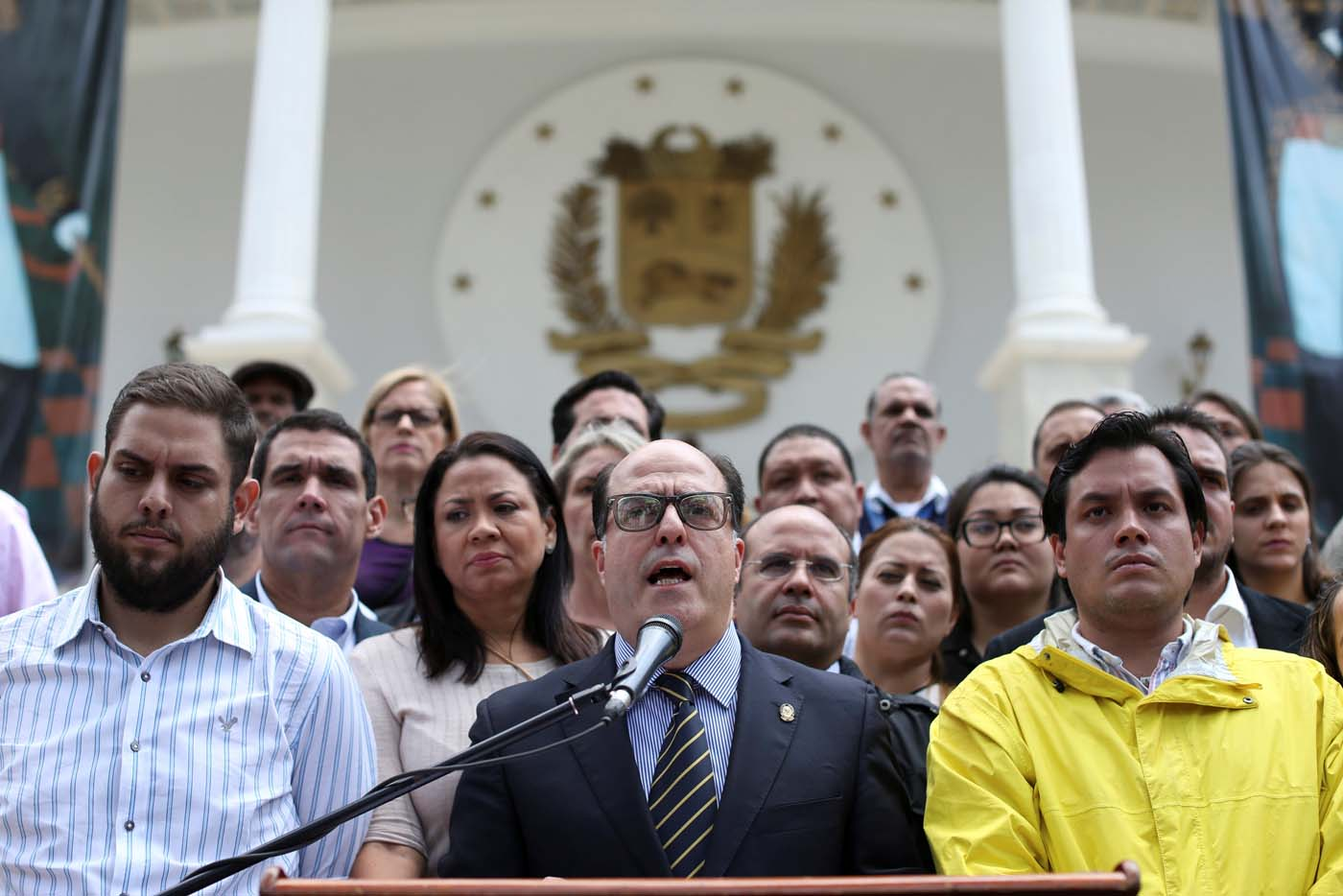 Julio Borges (C), President of the National Assembly and deputy of the Venezuelan coalition of opposition parties (MUD), speaks during a news conference in Caracas, Venezuela March 30, 2017. REUTERS/Carlos Garcia Rawlins