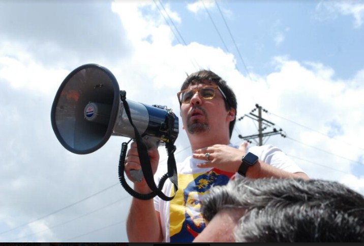 El opositor Henrique Capriles afirmó que fue inhabilitado por 15 años