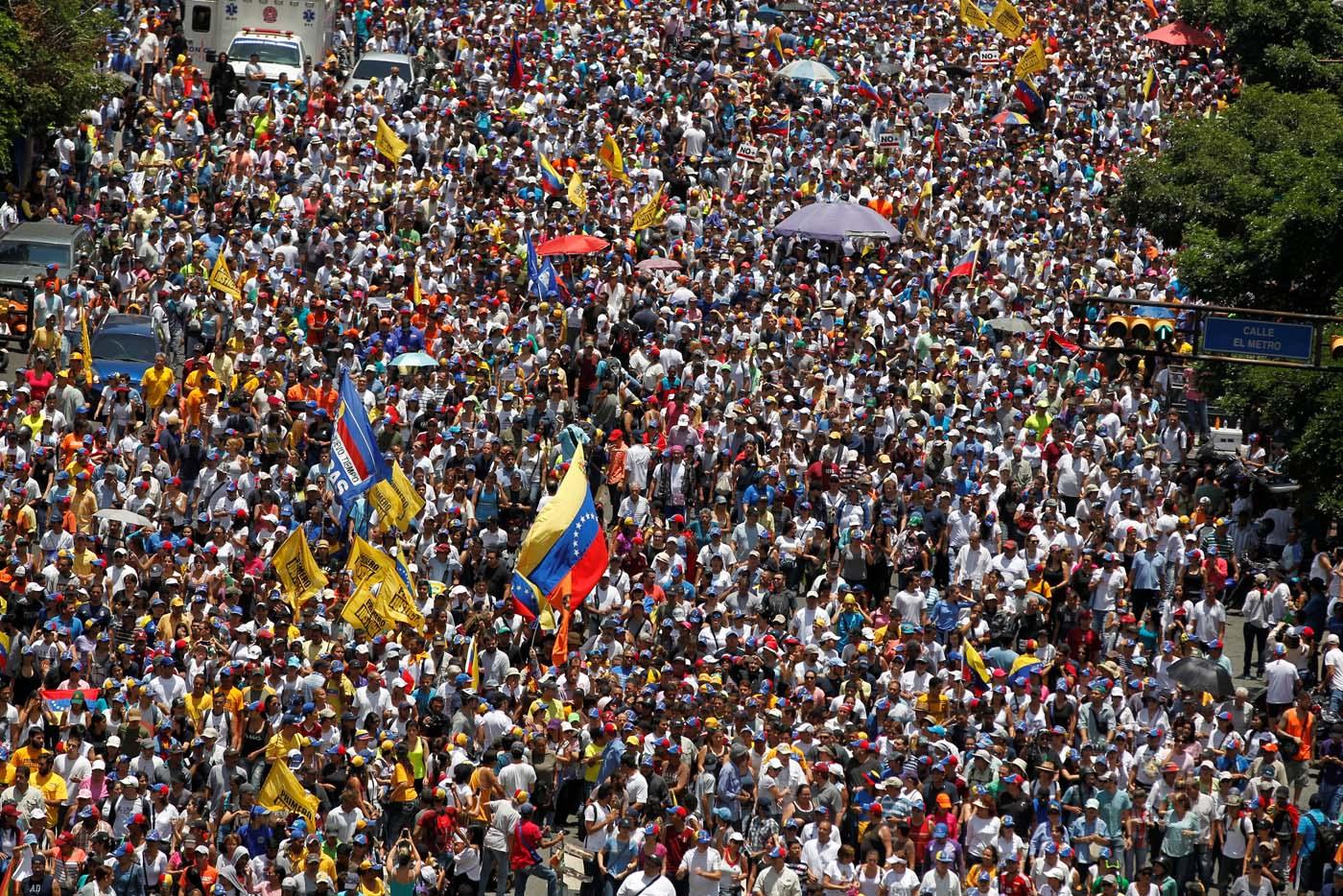 Murió un estudiante baleado durante una marcha opositora contra Maduro — Venezuela