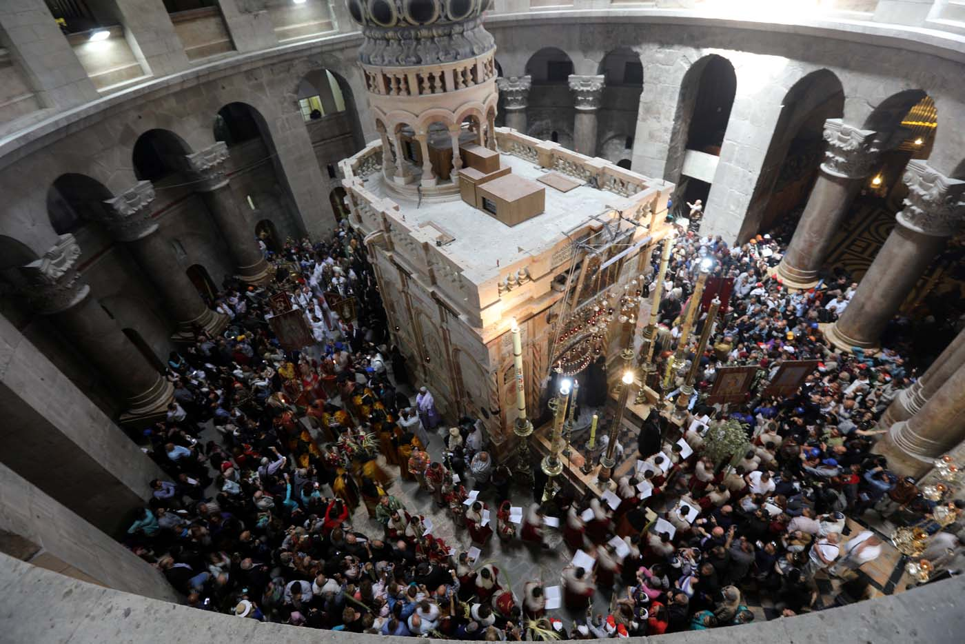 A general view shows a Palm Sunday ceremony in the Church of the Holy Sepulchre in Jerusalem's Old City April 9, 2017. REUTERS/Ammar Awad