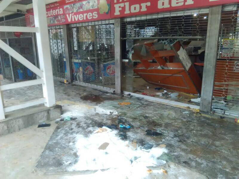 Resultado de imagen para 30 personas detenidas por actos vandálicos en Los Teques