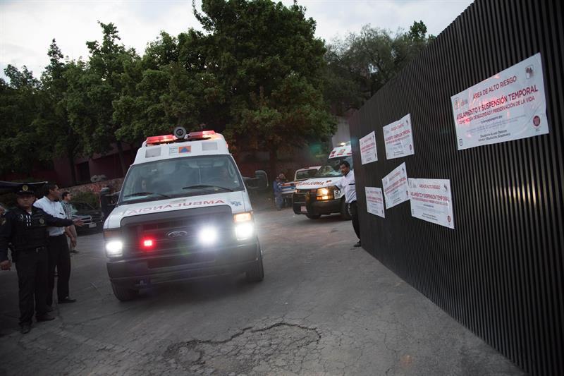 Archivo de servicio de ambulancia. EFE