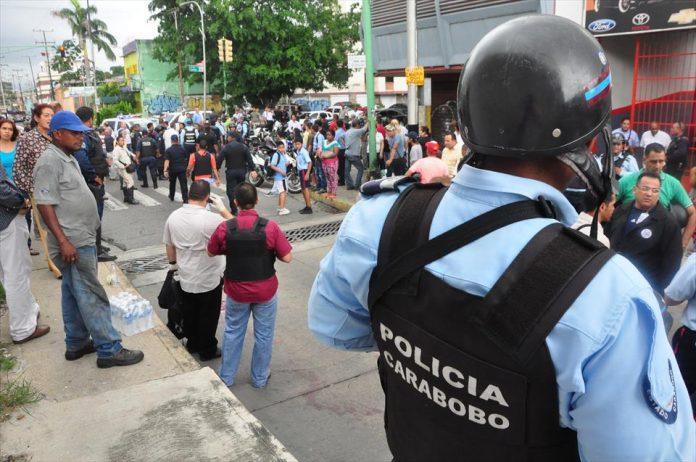 Procesan a dos policías venezolanos por muerte de manifestantes