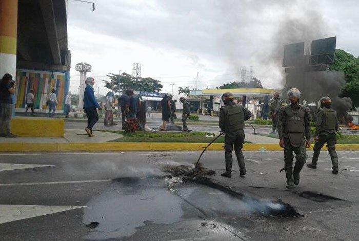Barquisimeto y Cabudare amanecieron con vías cerradas