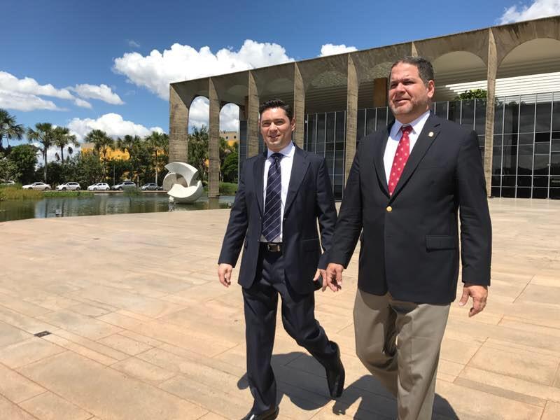 Florido y Vecchio denunciaron en Brasil golpe de Estado