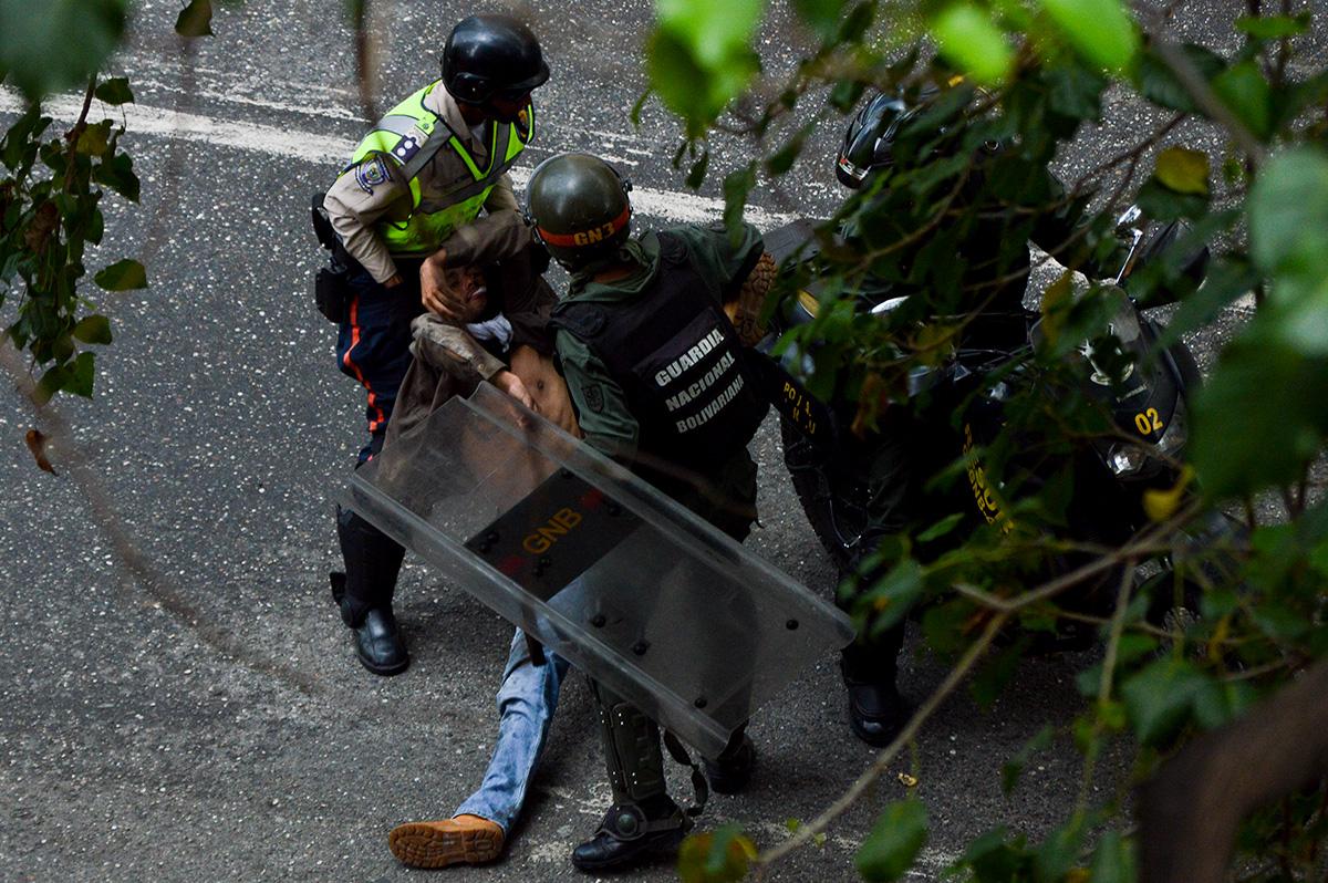Represión_02