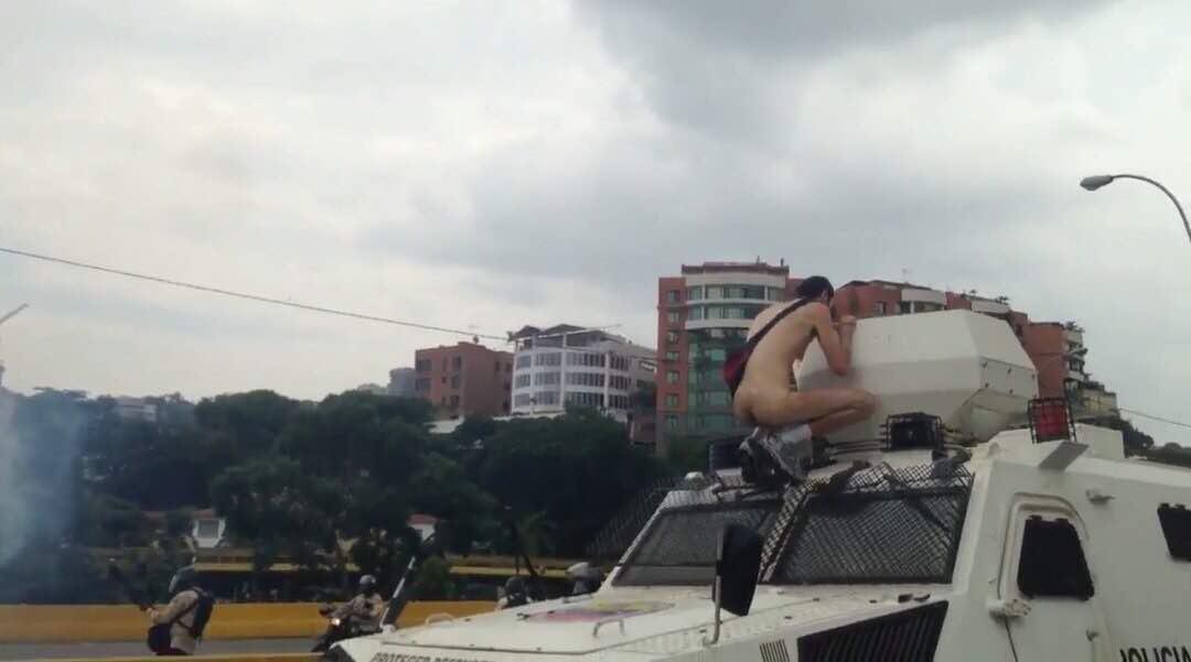 Once fallecidos de jueves a viernes tras violentos disturbios en Caracas