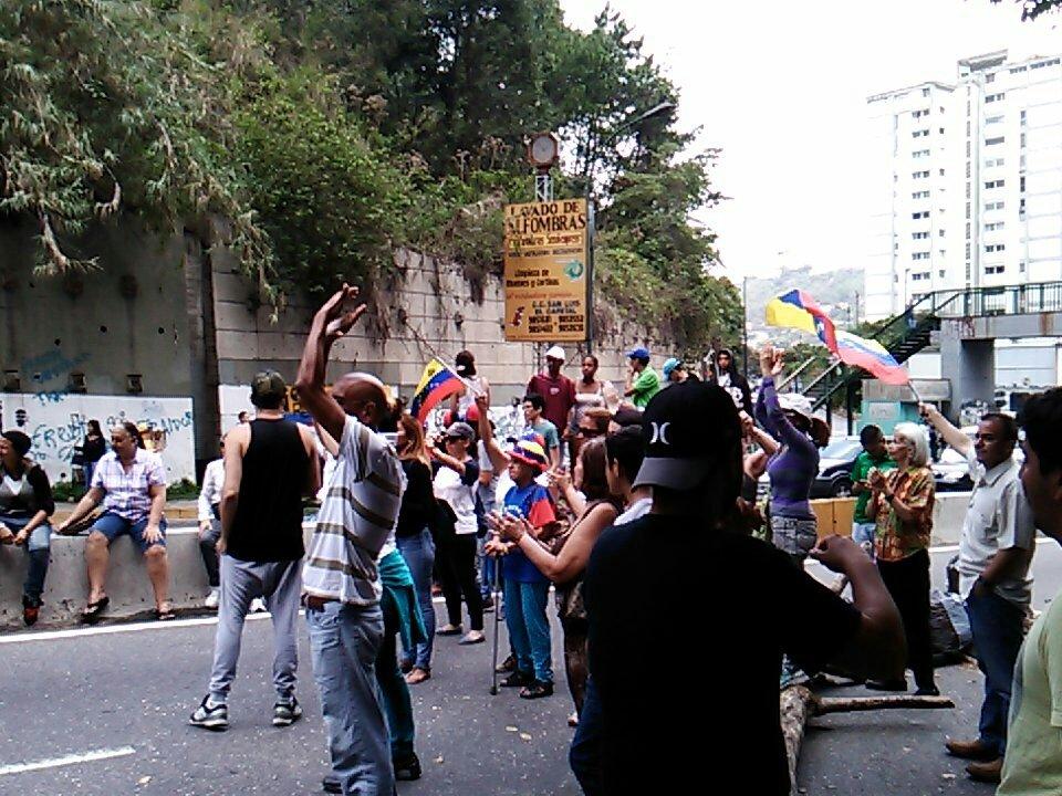 Foto: Reportan protesta en Terrazas de Club Hípico en Caracas este viernes 21 de abril