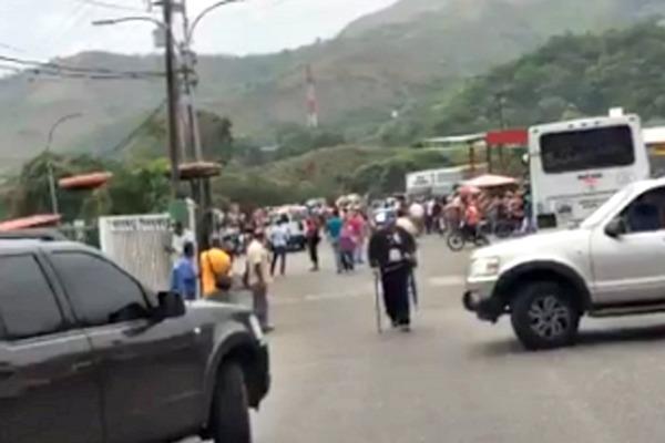 Foto: Protestan frente al Cicpc de Tejerías en el estado Aragua