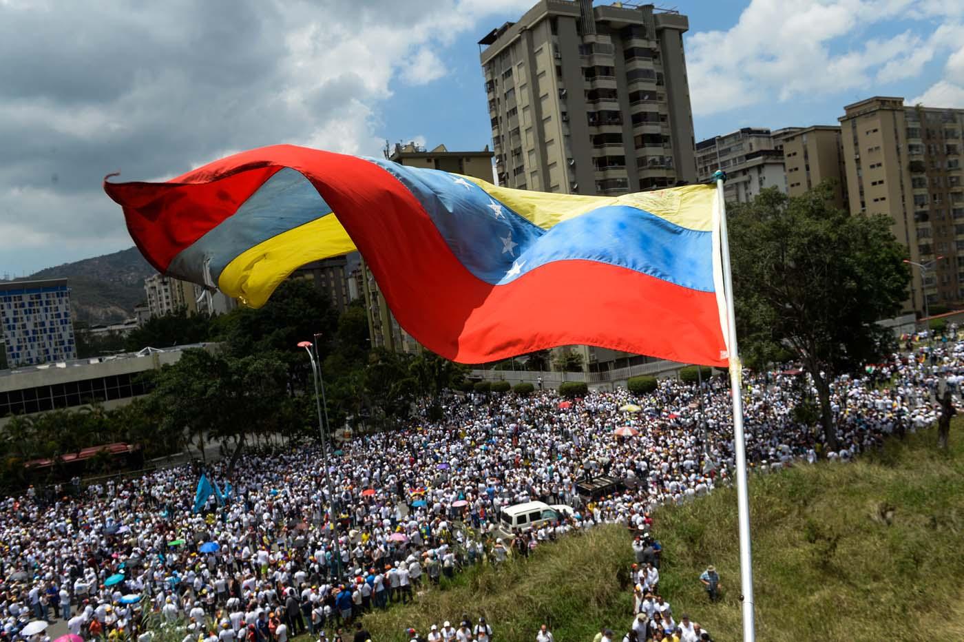 Oposición venezolana convoca a caminata y