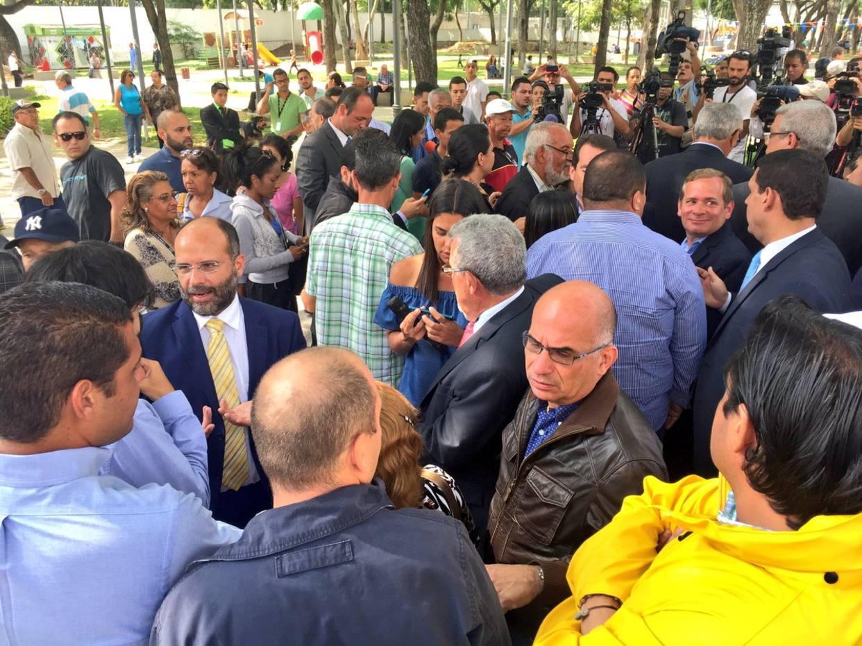 Diputados opositores denunciaron en Fiscalía