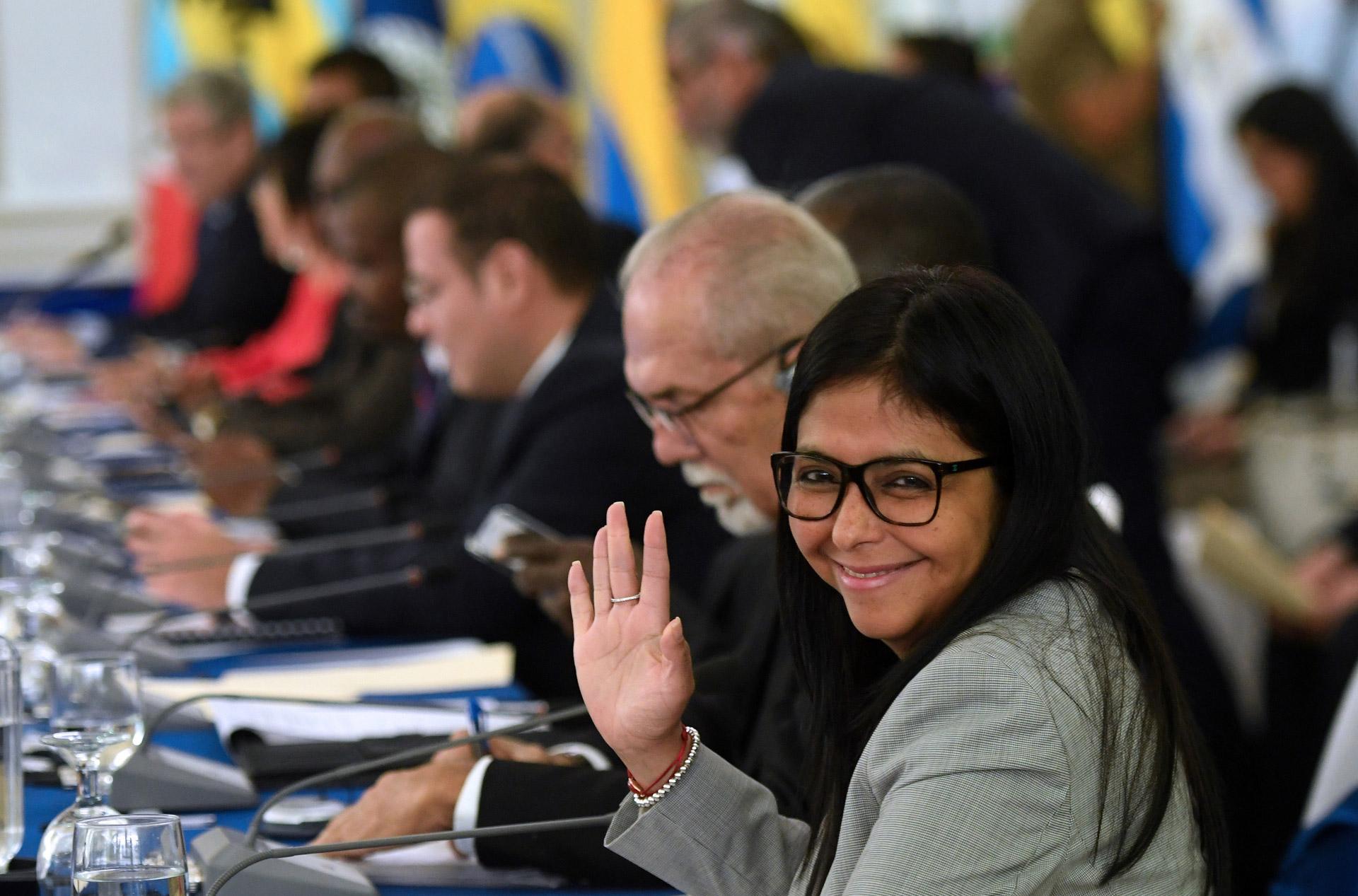 La canciller del gobierno bolivariano de Venezuela, Delcy Rodríguez, sonríe antes del inicio de la sesión Celac Foto: Marvin RECINOS / AFP