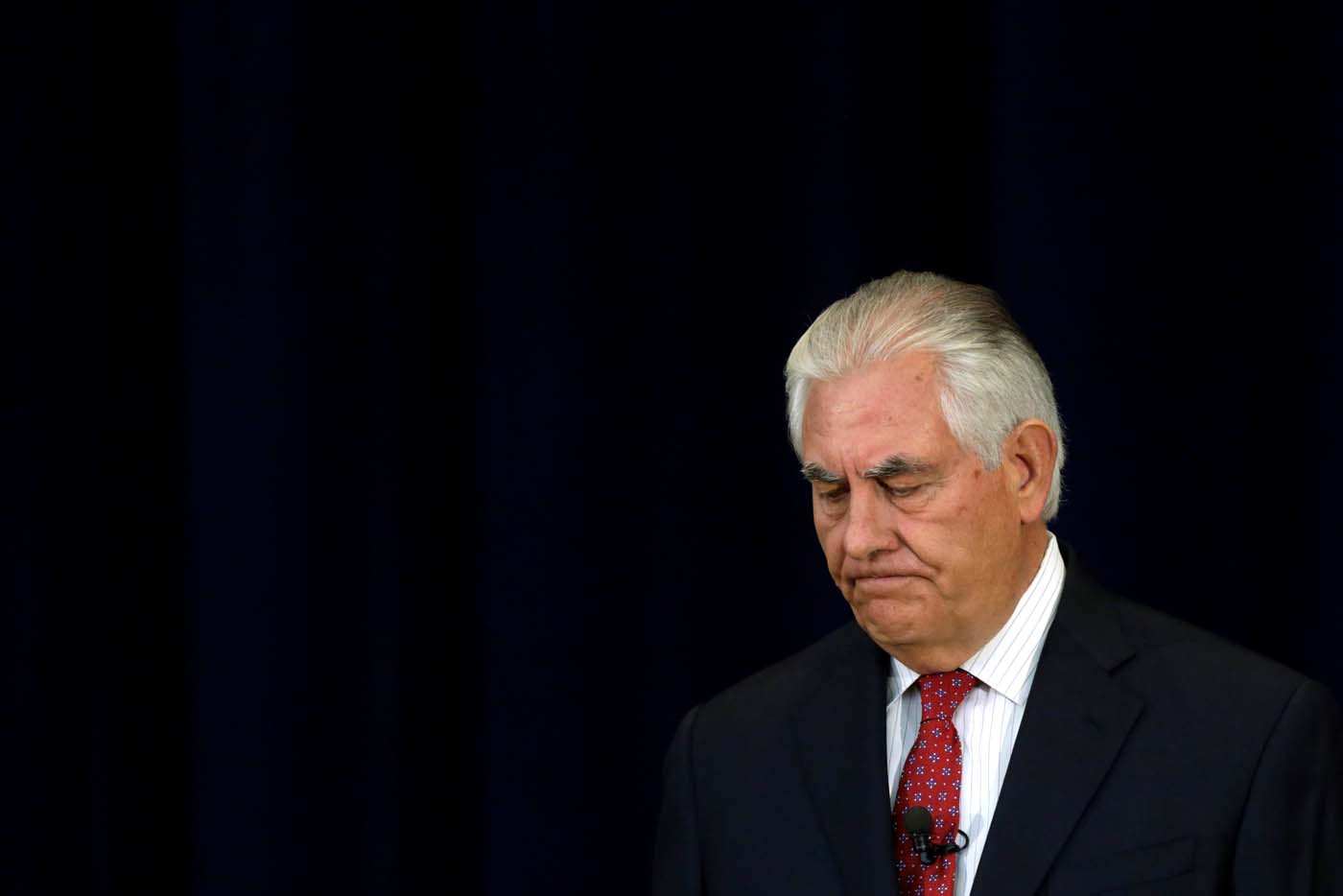 U.S. Secretary of State Rex Tillerson delivers remarks to the employees at the State Department in Washington, U.S., May 3, 2017. REUTERS/Yuri Gripas