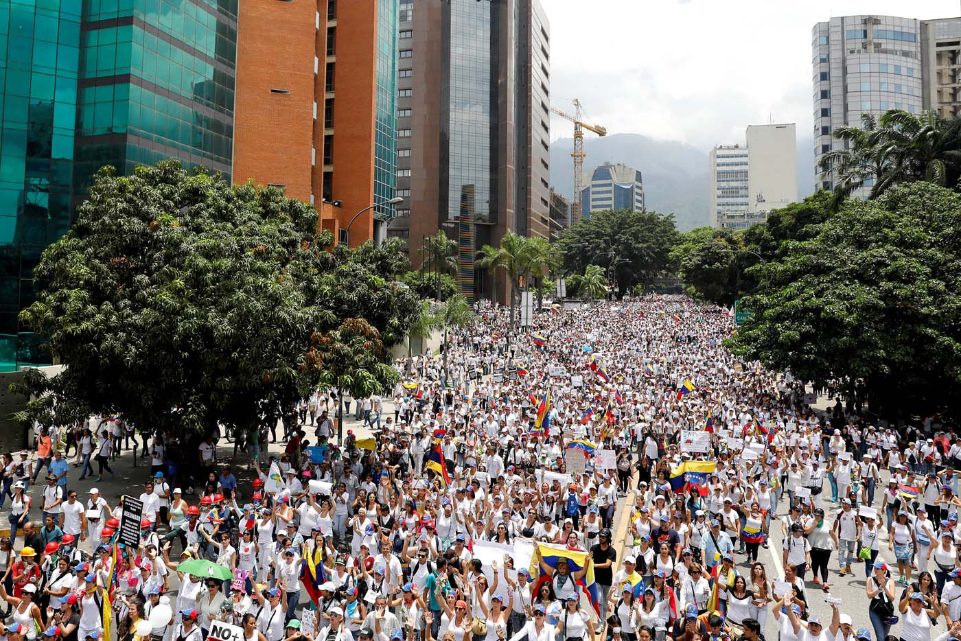 Demonstrators attend a women's march to protest against President Nicolas Maduro's government in Caracas, Venezuela, May 6, 2017. REUTERS/Carlos Garcia Rawlins