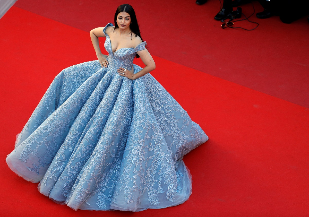 "70th Cannes Film Festival - Screening of the film ""Okja"" in competition - Red Carpet Arrivals- Cannes, France. 19/05/2017. Actress Aishwarya Rai poses. REUTERS/Eric Gaillard"