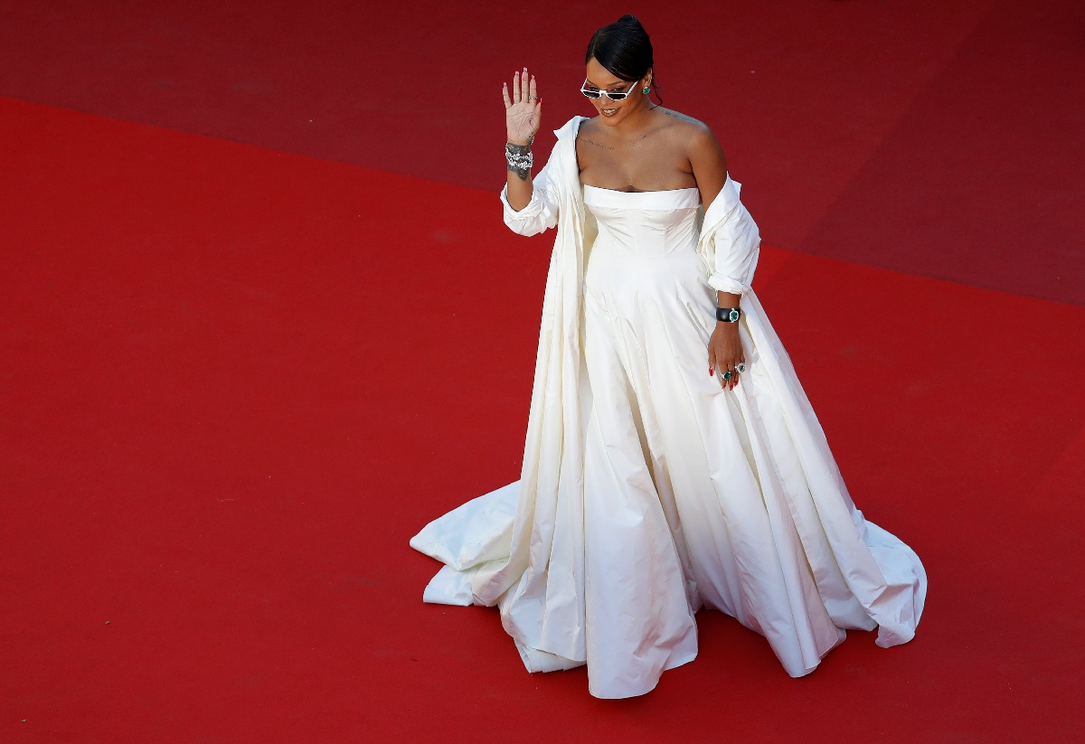 "70th Cannes Film Festival - Screening of the film ""Okja"" in competition - Red Carpet Arrivals - Cannes, France. 19/05/2017. Singer Rihanna poses. REUTERS/Eric Gaillard"