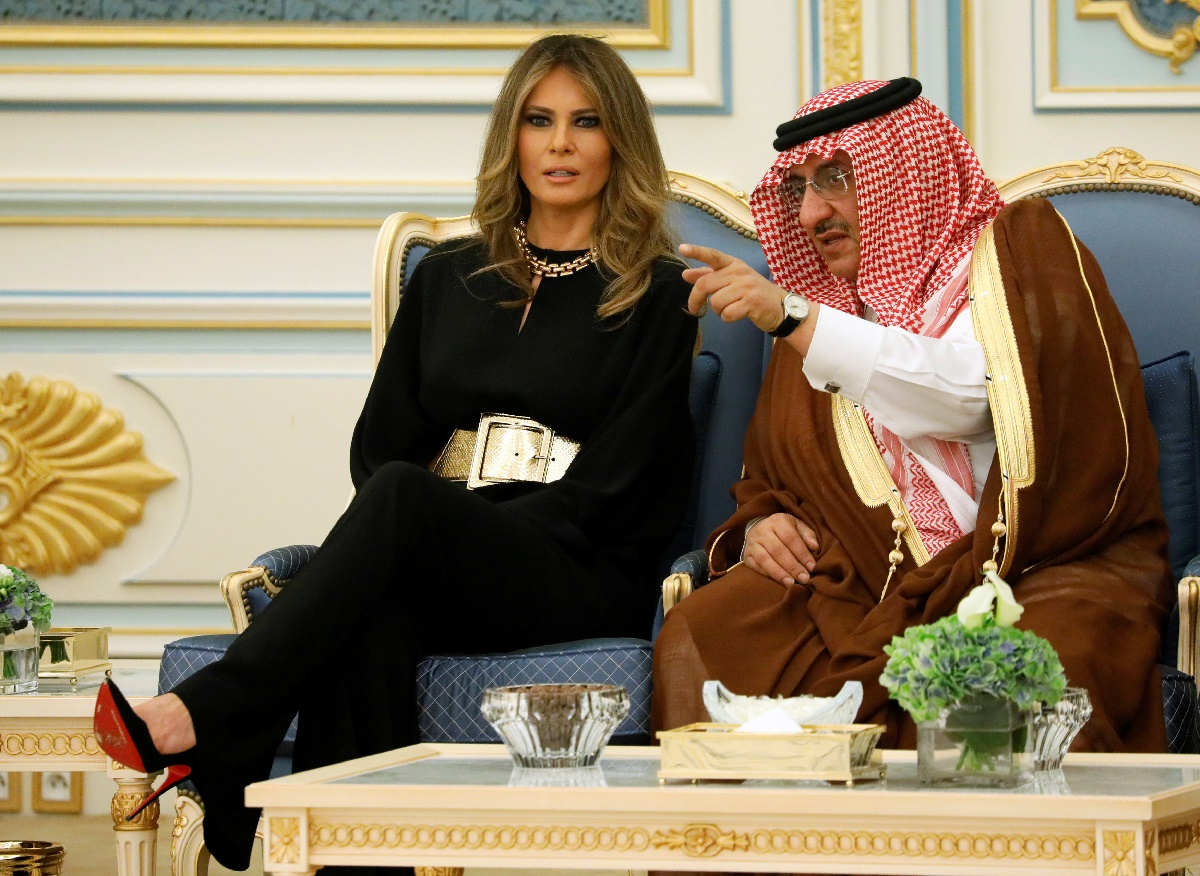 U.S. first lady Melania Trump (L) speaks with Saudi Arabia's Crown Prince Muhammad bin Nayef (R) during an arrival ceremony for U.S. President Donald Trump at the Royal Court in Riyadh, Saudi Arabia May 20, 2017. REUTERS/Jonathan Ernst