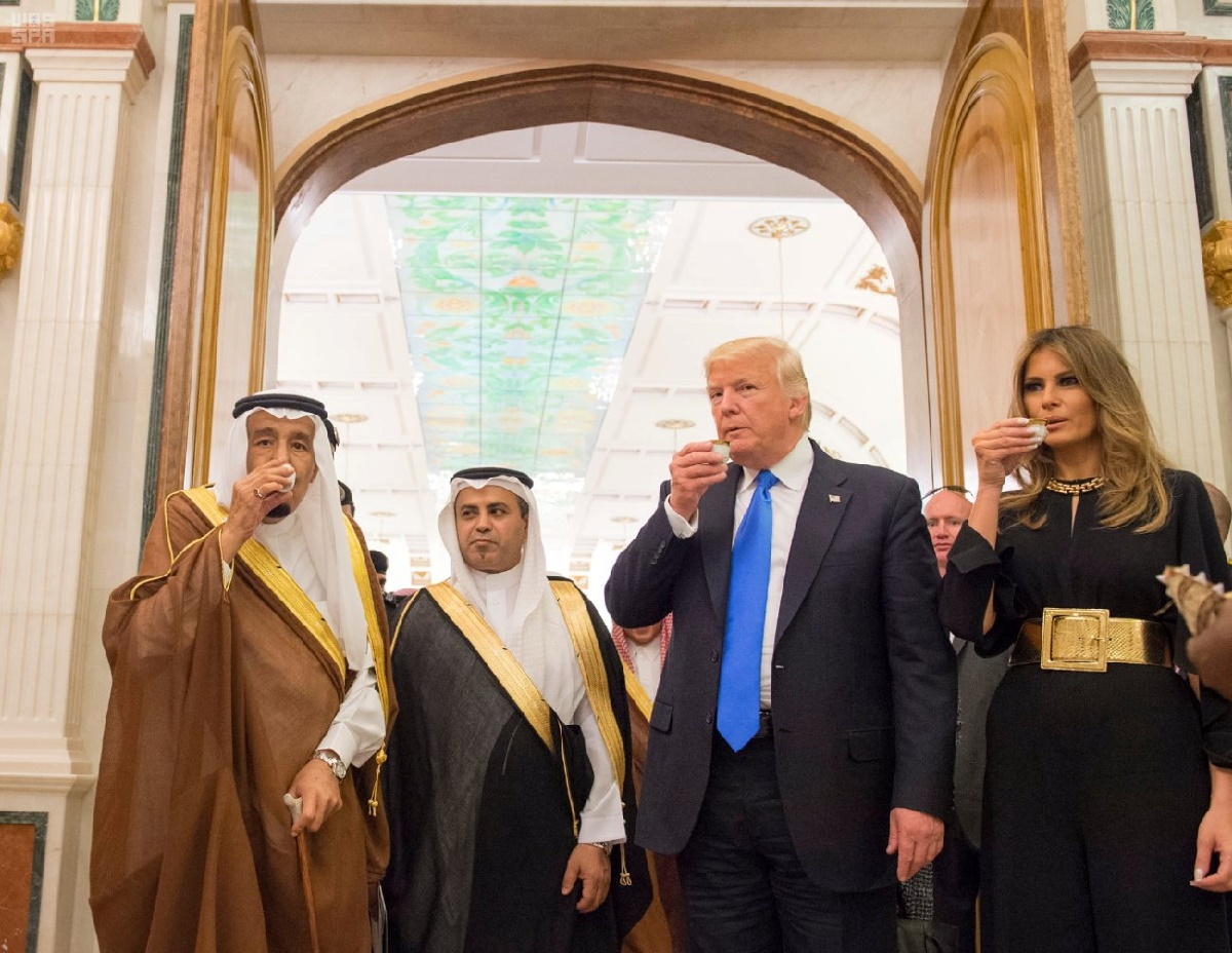 Saudi Arabia's King Salman bin Abdulaziz Al Saud (L), U.S. President Donald Trump and first lady Melania Trump drink ceremonial coffee at the Royal Court in Riyadh, Saudi Arabia May 20, 2017. Saudi Press Agency/Handout via REUTERS ATTENTION EDITORS - THIS PICTURE WAS PROVIDED BY A THIRD PARTY. FOR EDITORIAL USE ONLY. NO RESALES. NO ARCHIVE. TPX IMAGES OF THE DAY