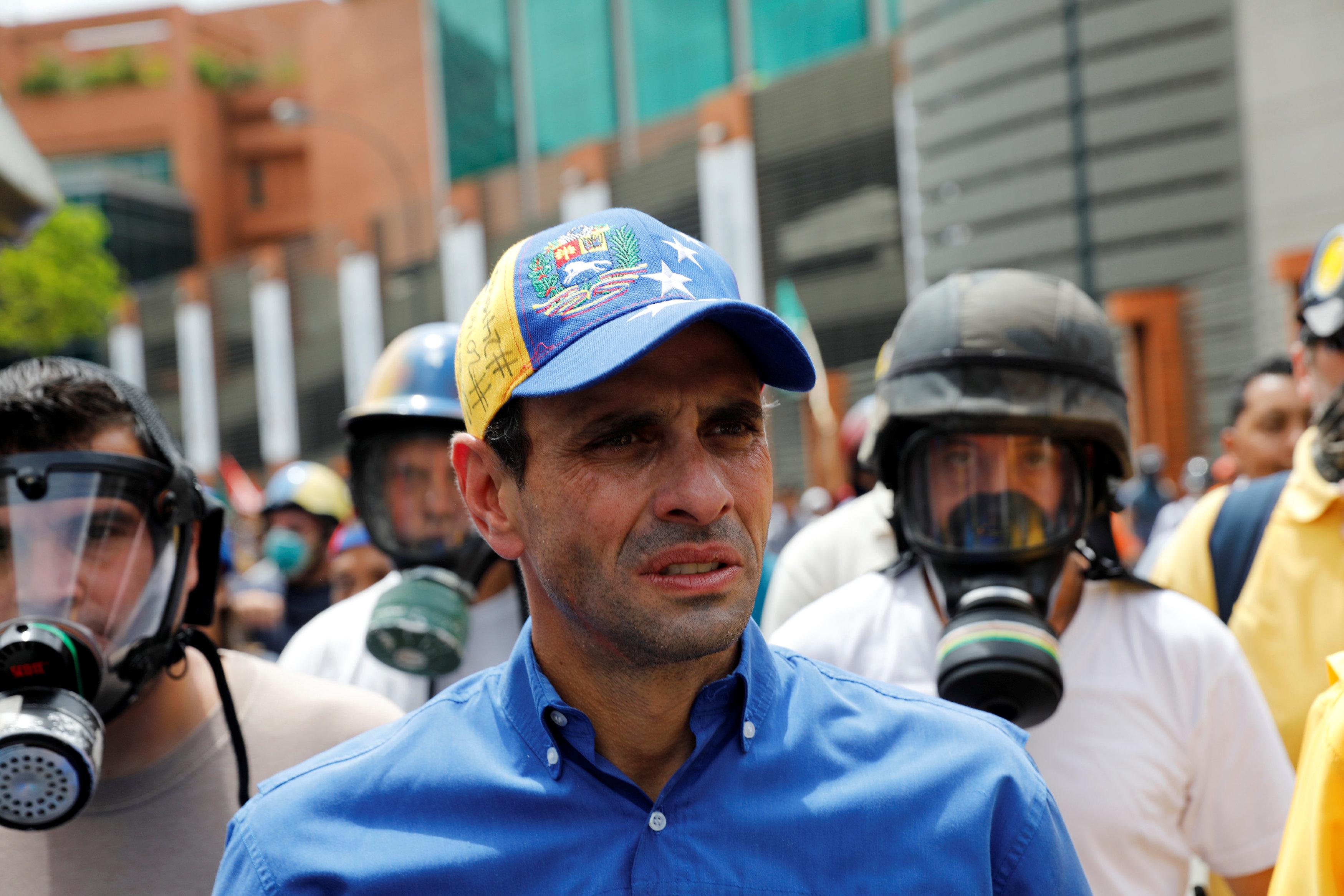 Capriles marcha contra Maduro en Caracas el 24 de Mayo del 2017 REUTERS/Carlos Garcia Rawlins