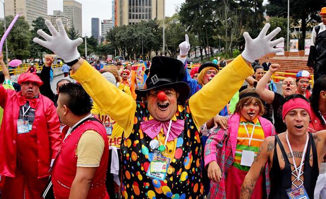 Payasos colombianos protestando / EFE