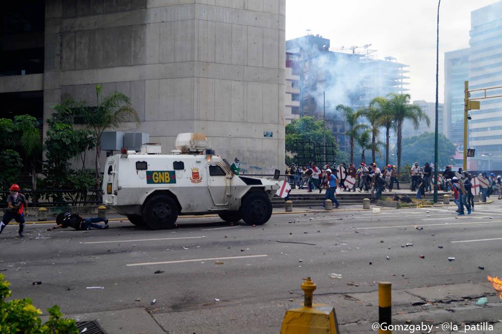 GN efectuó fuerte represión en Caracas este 3 de mayo. Foto: LaPatilla.com / Gabriela Gómez